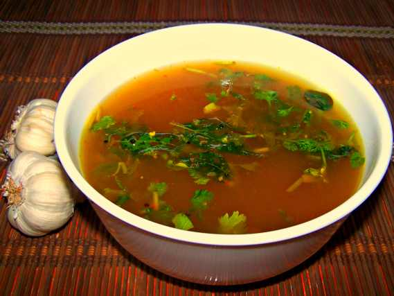 Garlic rasam recipe poondu rasam vellulli charu bellulli for Aharam traditional cuisine of tamil nadu